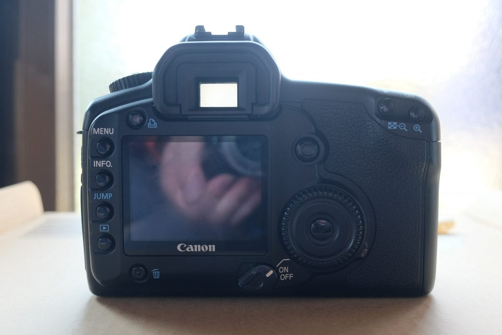 eos 5d back