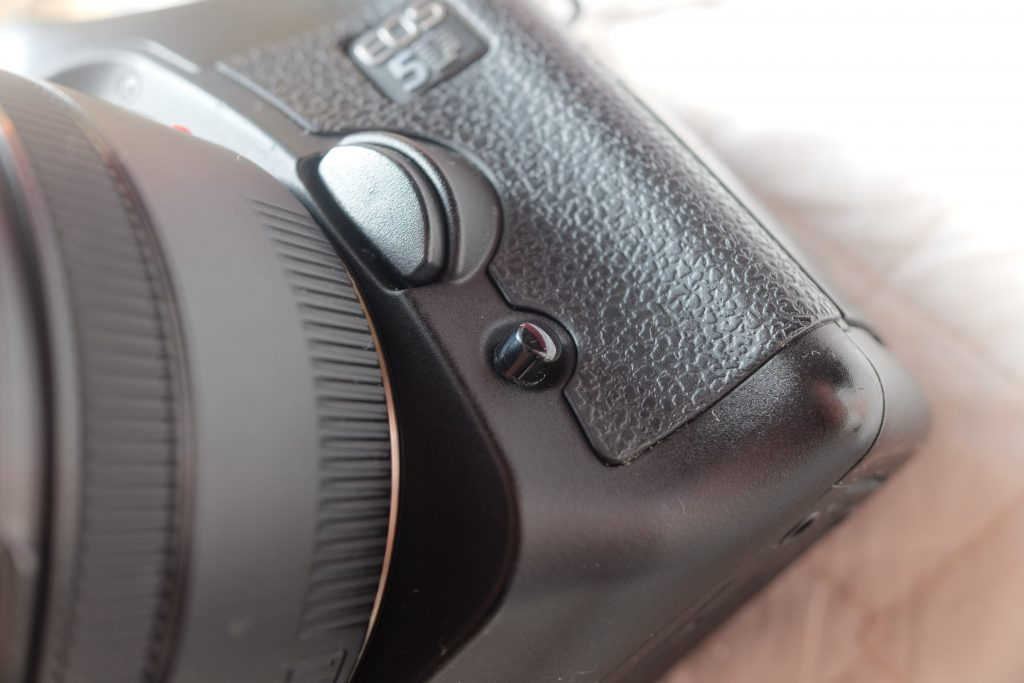 eos 5d preview button